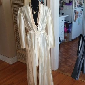 VTG Kayser Silky Pearly Colored Classic Robe